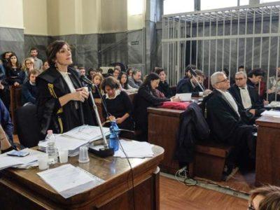 Processo a Marco Cappato per il suicidio assistito di Dj Fabo: le memorie depositate dalla Procura di Milano e dalla difesa di Cappato