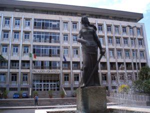 """Sulla rilevanza penale del reclutamento e favoreggiamento della prostituzione """"volontariamente e consapevolmente esercitata"""": nel Processo Tarantini la Corte di Appello di Bari solleva questione di legittimità costituzionale"""